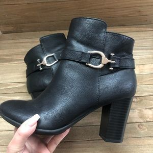 Apt 9 Defined Comfort 7.5 Wide Booties Buckle